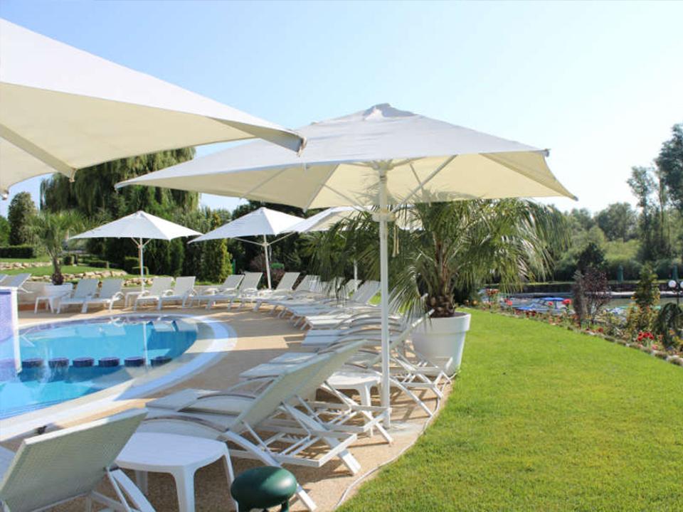 fiona-construct-piscina-infinity-hotel-012